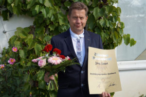 Jörg Zippel mit Meisterbrief