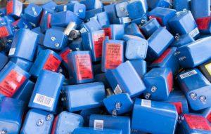 Blockbatterien in einer Paloxe